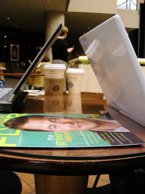 笔记本装腔攻略:教你咖啡厅里扮名流